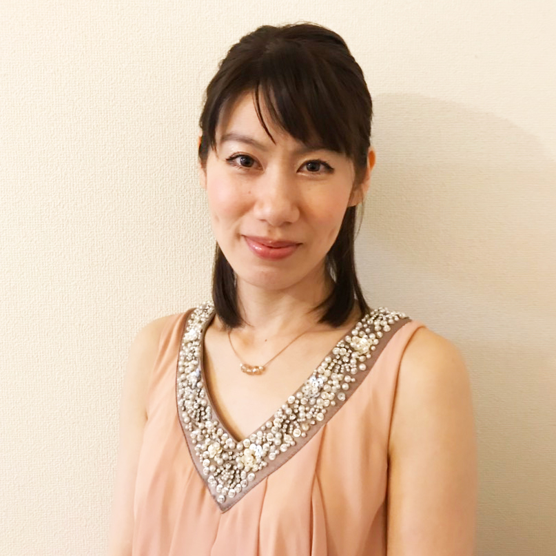 中野 奈津子
